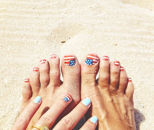 memorial day toe nail designs