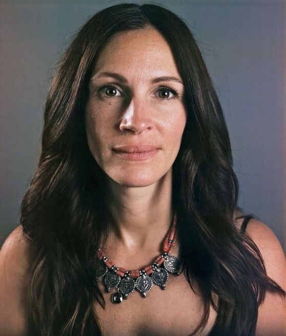 Julia Roberts before make up