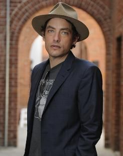Jakob Dylan travels down his own path - USATODAY.com