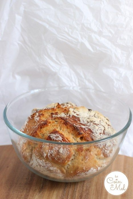Easiest Homemade Bread Recipe Ever Prepped & Baked in Pyrex Bowl - ever thought it was too much faff making your own bread? spending forever kneading, getting covered in flour, not being sure you'll get a decent loaf... No way! This recipe required no kneading, no faffing, very little washing up (only 1 Pyrex bowl and 1 spoon!), and only 3 ingredients you already have at home + some tap water!