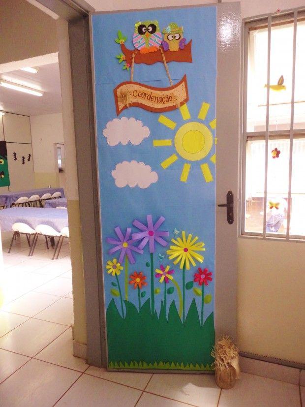 Porta decorada com papel colorset para o tema Primavera. A placa da corujinha de…                                                                                                                                                                                 Mais