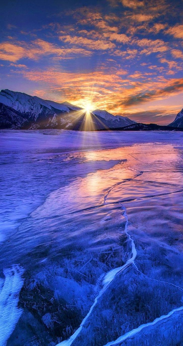 Sunrise. 9 Amazing and beautiful Snowy and Ice Lake