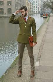 Pantalones militares para hombres. Pantalón militar. Pantalones verdes. Pantalones para hombres otoño-invierno 2016-2017. Outfits.