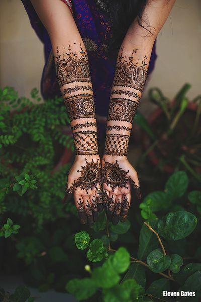 Modern mehendi design that looks like your are wearing bangles #mehendimandala #wedfine