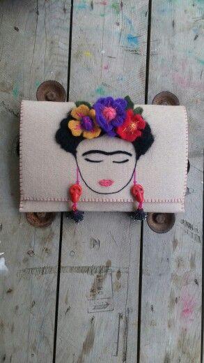 Frida kahlo , bag , clutch, fridakahlo , çanta , needlefelting feltingneedle 30cm Instagram :handesanat