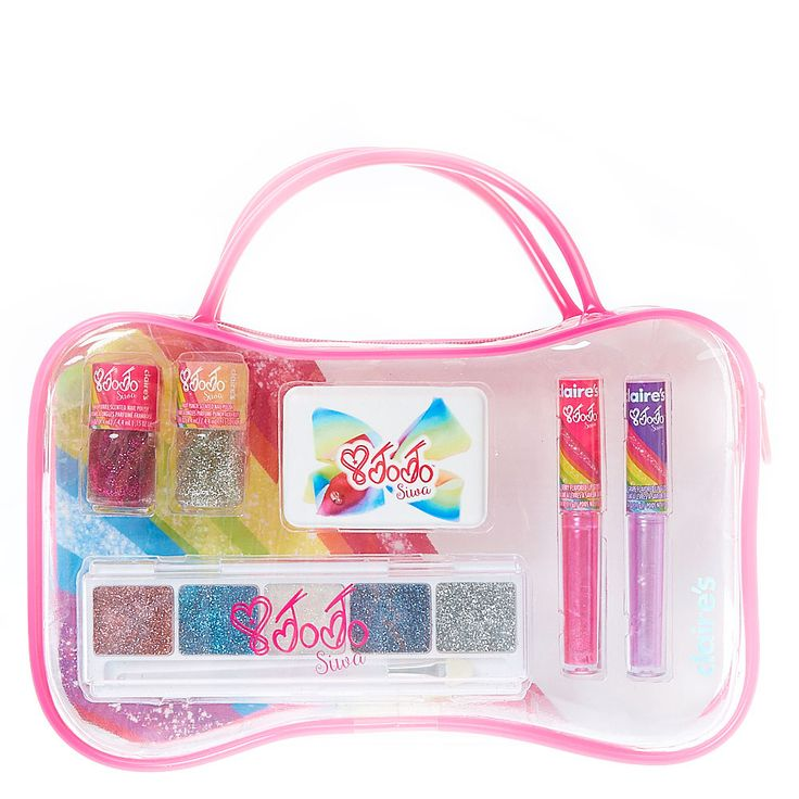 <P>You're already decked out in JoJo's Bows! You even have your JoJo's Bow Holder hanging on your wall! But you still can't get enough! This newest addition to the JoJo Siwa collection includes a clear cosmetic bag with carry handle. Inside you'll find various JoJo Siwa themed make up including nail polish, eyeshadow, lip gloss and small mirror.</P><P><STRONG>Beauty Set</STRO...
