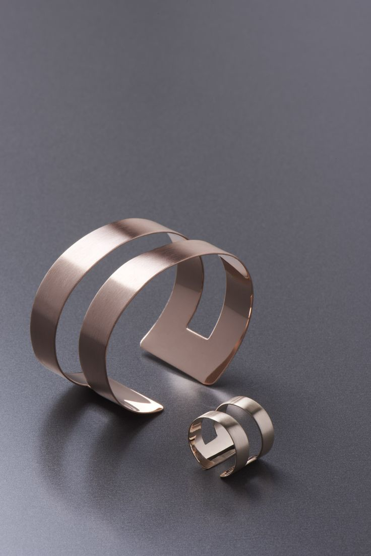 band ring and bracelet - modern and elegant rose gold ring with a matching  copper bracelet
