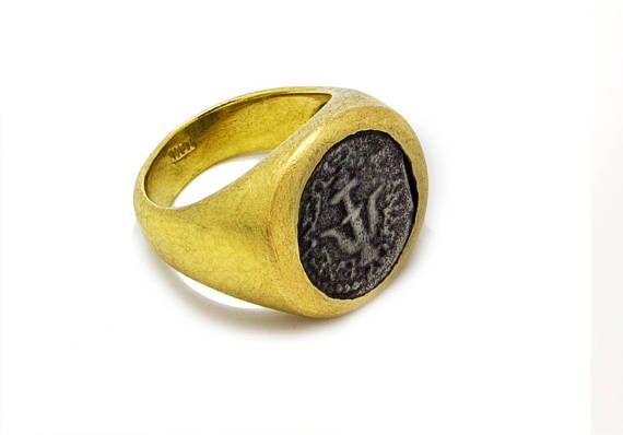 #coin #rings #forher #gifts #handmade #style #chic #fashion   Bring home a piece of ancient Rome with this 18k gold pinky ring with an embedded silver coin. The silver coin goes back to ancient Rome feel like you are a part of history with this one of a kind pinky ring. This ring is preppy, timleless and designed for you. Feel like Roman