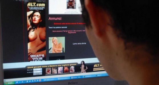 Stefano Saoncella ha visto il suo volto associato a immagini di sesso esplicito in un filmato artefatto postato da  una ragazza conosciuta su Facebook