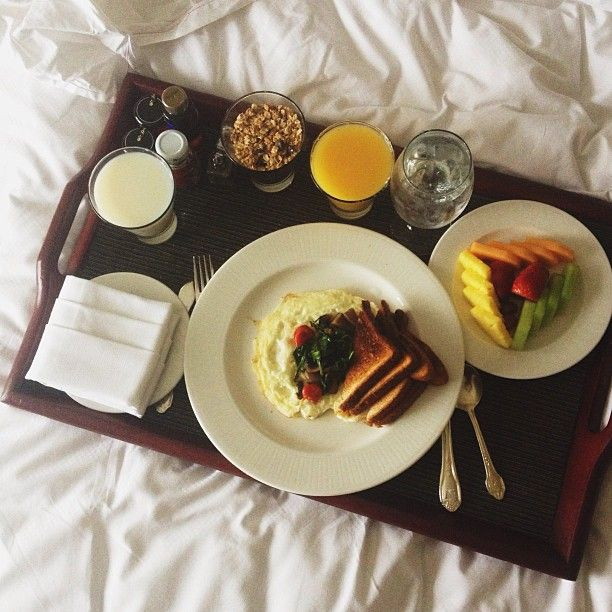 25+ Best Ideas About Breakfast In Bed On Pinterest
