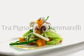 Tra Pignatte e Sgommarelli: Le mie ricette - Insalatina di calamari scottati, puntarelle, gelatine di mango allo zenzero, crostini di pane all'aglio e fiocchi di sale nero