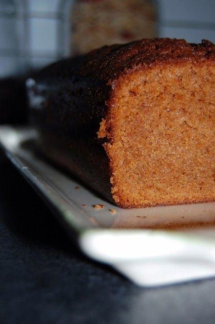 Enorme ! Le goût de ce cake est extraordinaire ! J'ai souvent croisé la recette du cake aux carambars, célèbre gràce à Audrey (qui figure dans «Le Cake Show de Sophie» de Sophie Dudemaine).…