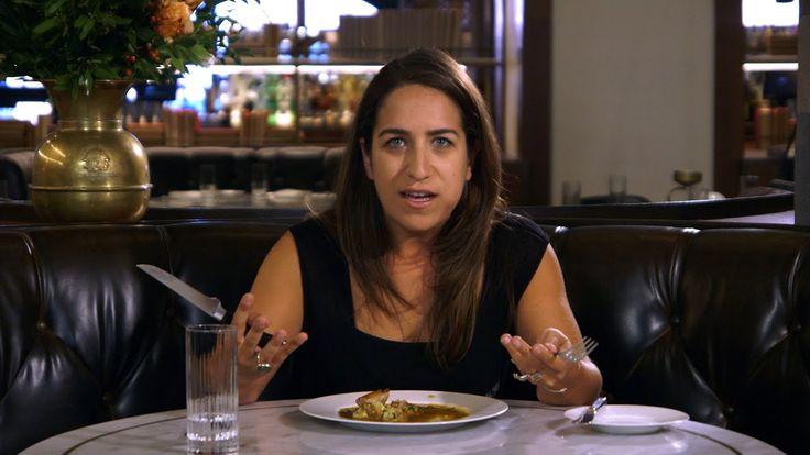 Solange sie nicht missionieren, habe ich überhaupt nichts gegen Vegetarier, jeder soll essen, was er/sie für richtig hält. Diese Dame hier von The Onion kann sich vermutlich schon gar nicht mehr daran erinnern, wie Fleisch schmeckt. 22 Jahre lang hat sie vegetarisch gelebt – und dann kam...