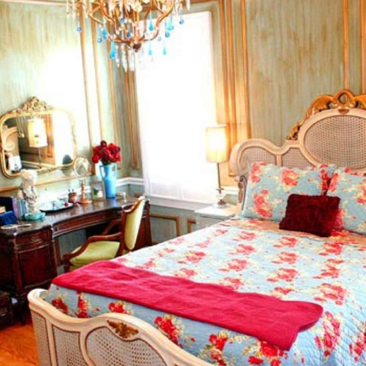 Delightful shabby chis bedroom ideas colorful shabby chic for Retro style bedroom furniture