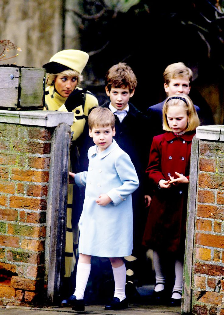 Throwback Thursday: Diana, Princess of Wales pictured with Prince William, Lord Frederick Windsor, Peter and Zara Philips (1987).