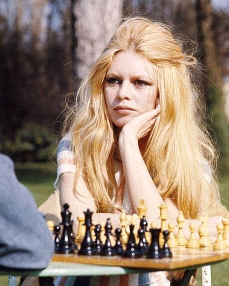 """1969. Brigitte Bardot sur le tournage du film """"Les Femmes"""". Joyeuse journée internationale de la femme !  Photo: Jean Claude Deutsch/ Paris Match  #jeanclaudedeutsch #parismatch #journeeinternationaledelafemme #internationalwomensday #brigittebardot #bardot #bb #vintage #onset #film #cinema #model #legend #icon #frenchcinema #france #lesfemmes #69 #sixties #portrait #chess"""