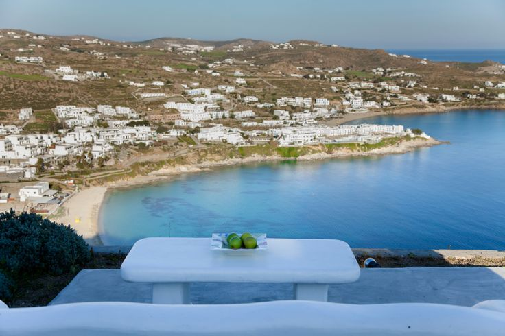 It is a Cycladic house on top of the area of St. Lazarus with exquisite view of the ocean and overlooking the beach of Platis Gialos,St Anna and the famous beach of Psarou .   The house consists of three levels middle there is the living room , the kitchen one bedroom with a small bathroom . http://www.travelingtogreece.com/accomodation/mykonos-villas/amazing-view