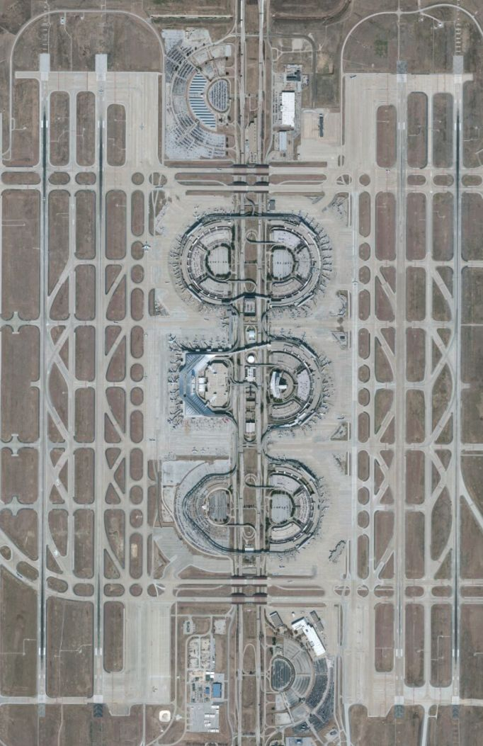 Dallas Fort Worth, TX, USA... as an airport concept: fantastic! To experience that, a nightmare.