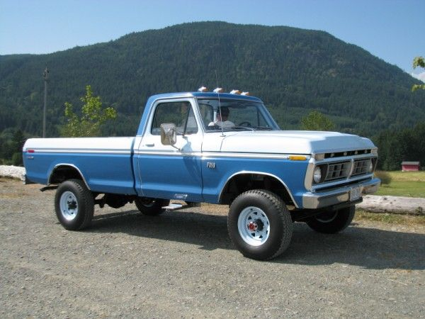"Blue/White '74 F-250 ""Highboy"" 4x4"