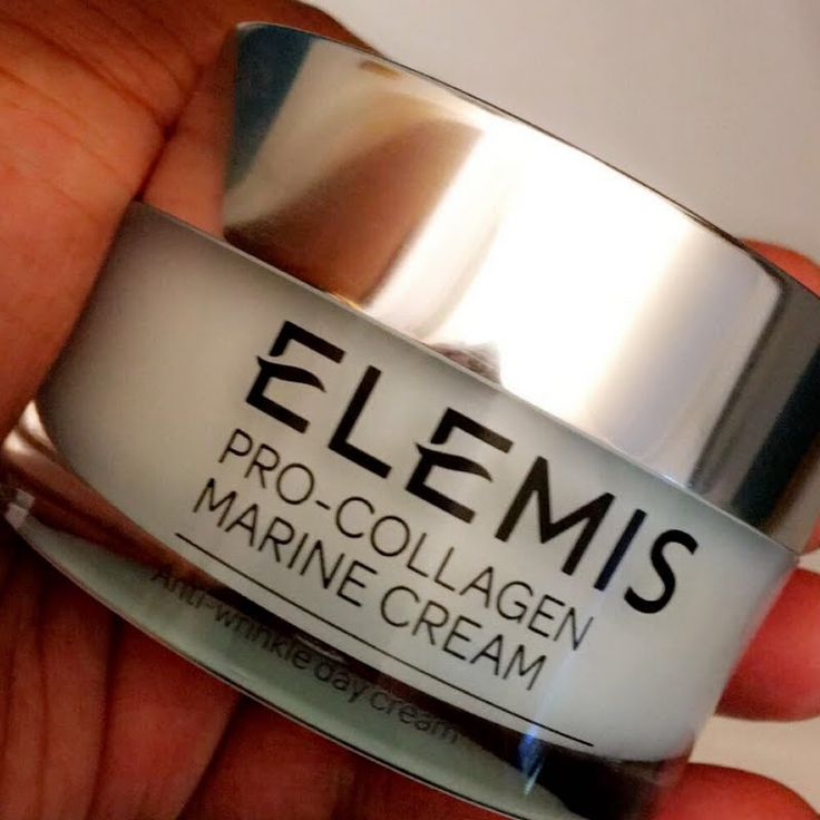 Preen.Me VIP Yajaira D gives a glimpse of her gifted #ELEMISeveryday Pro-Collagen Marine Cream.  Reduce the depth of wrinkles and improve your skin's firmness by clicking through.