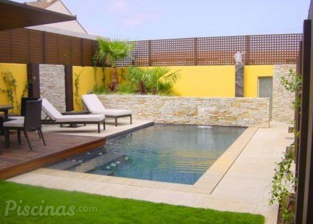 Piscina moderna piscina pinterest areas externas for Construccion de piscinas pequenas