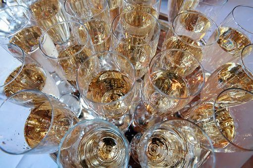 Lo Champagne incontra lo spumante d'Abruzzo, evento Cte-Isvea il 2 luglio | L'Abruzzo è servito | Quotidiano di ricette e notizie d'AbruzzoL'Abruzzo è servito | Quotidiano di ricette e notizie d'Abruzzo