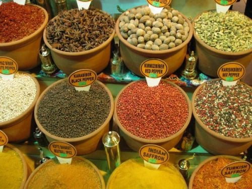 How To Survive The Grand Bazaar and Spice Markets in Istanbul || Jaunted