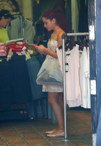 """Ariana Grande Photos - """"Victorious"""" actress Ariana Grande shops for clothes with a friend along trendy Larchmont Boulevard in Los Angeles, California on May, 6 2012. - Ariana Grande Keeps It Trendy"""