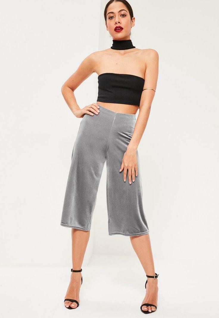 Missguided - Weite Samt Culottes Hosen in Grau