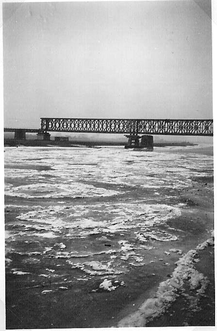 Deventer oude spoorbrug aangelegd door de Canadezen