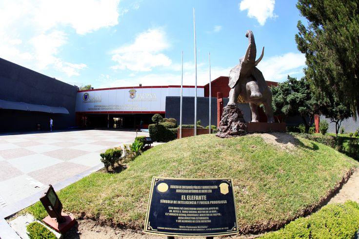La Facultad de Contaduría y Administración Pública está ubicada en el Campus Ciudad Universitaria en San Nicolás de los Garza, Nuevo León. La oferta educativa de FACPYA consta de un gran número de licenciaturas y programas de posgrado. ¡Conócela! http://www.facpya.uanl.mx