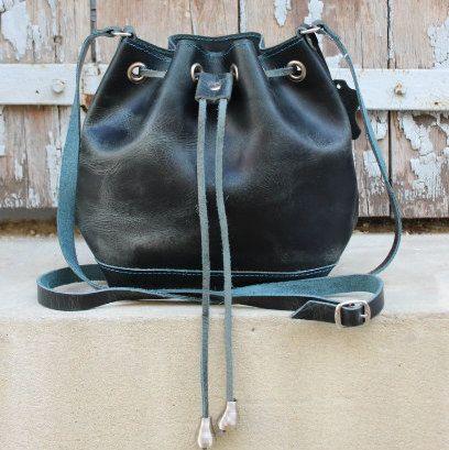 Womens Handbag Bucket bag/Leather bucket bag/navy by EATHINI