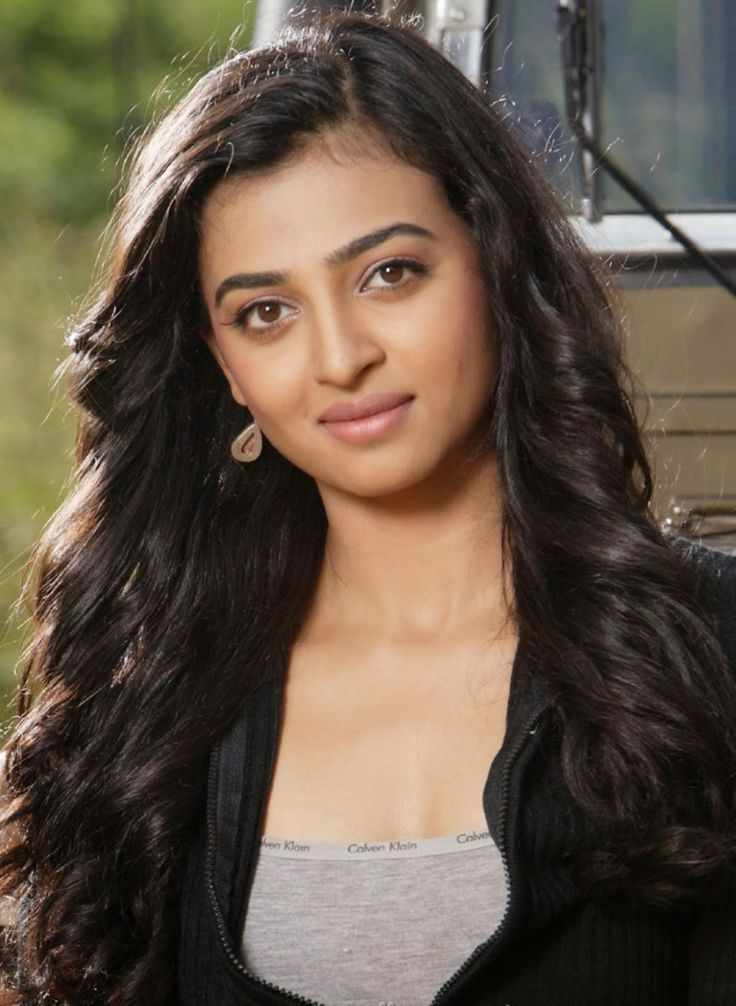 Photos of Hot and Sizzling Bollywood Actress Radhika Apte