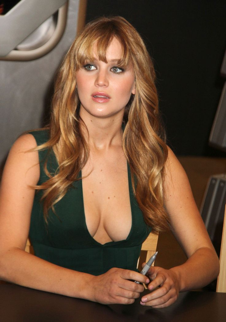 Vettri.Net – Jennifer Lawrence – The Hunger Games Cast Signing at Barnes & Noble…, Hot Babes Naked