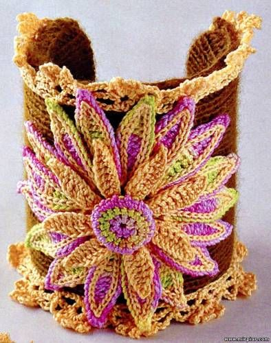 Wonderful #crochet cuff with charts and Russian language directions. The charts should be enough though!