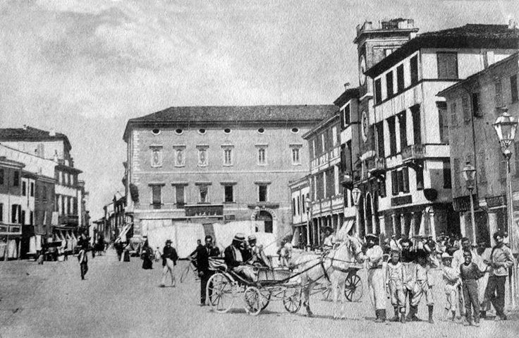 Piazza Giulio Cesare, fine '800  www.hotelpolo.it