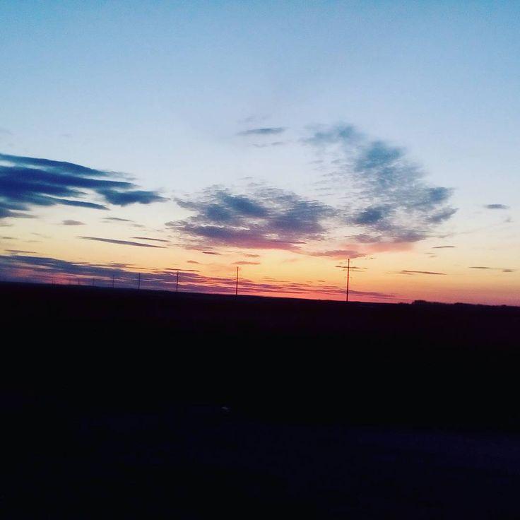 Красивый закат в степи #карталы #красноеибелое