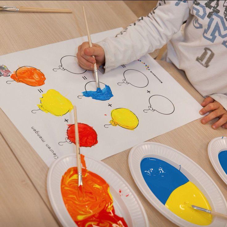 Kerstballen schilderen: kleuren mengen en benoemen