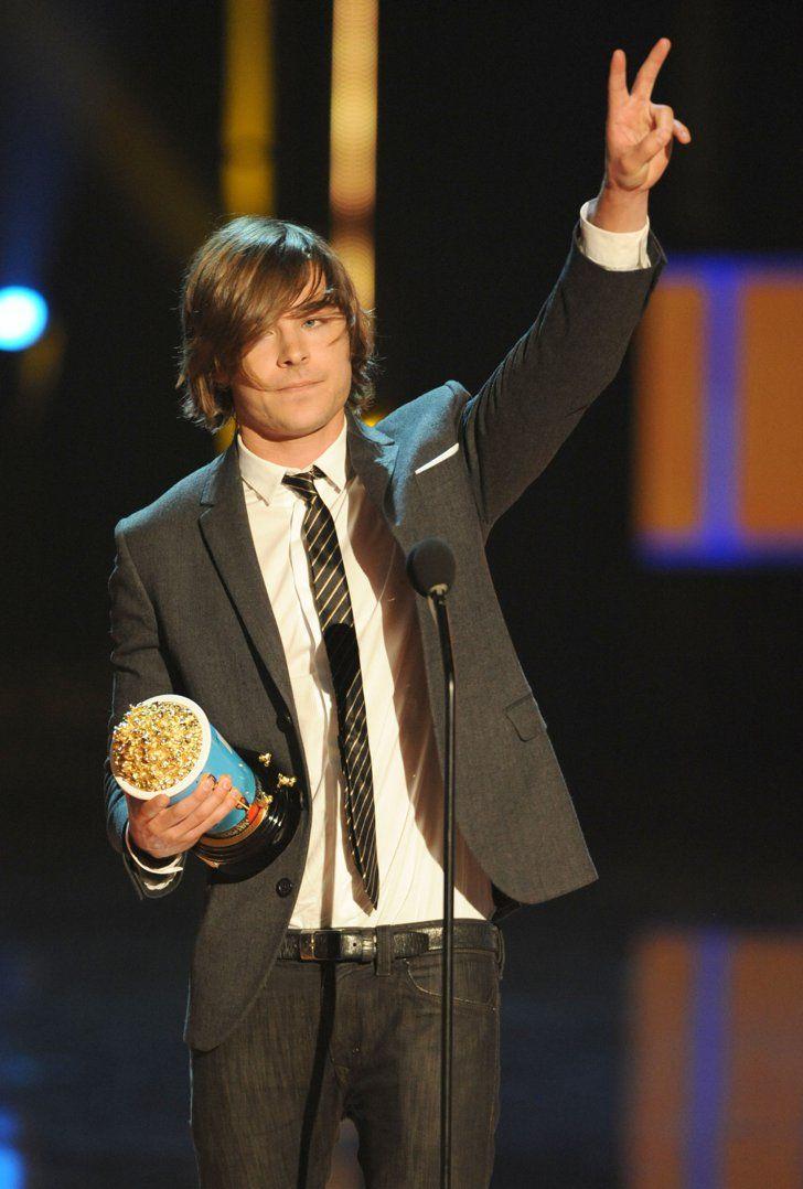 Pin for Later: Zac Efron et son parcours aux MTV Movie Awards : que du bonheur ! En 2009, il a encore gagné malgré sa coupe très... discutable