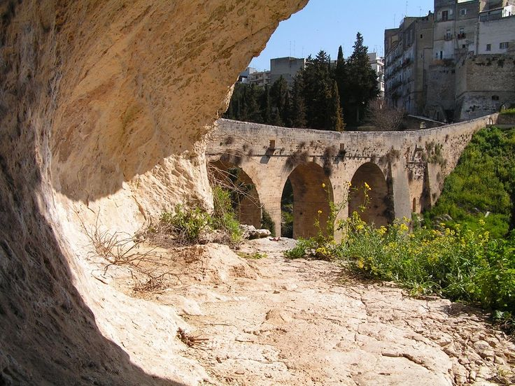 ponte viadotto Madonna della Stella, Gravina in Puglia (BA).