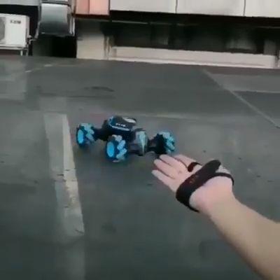Gesture induction remote control deformation car Cool Gadgets