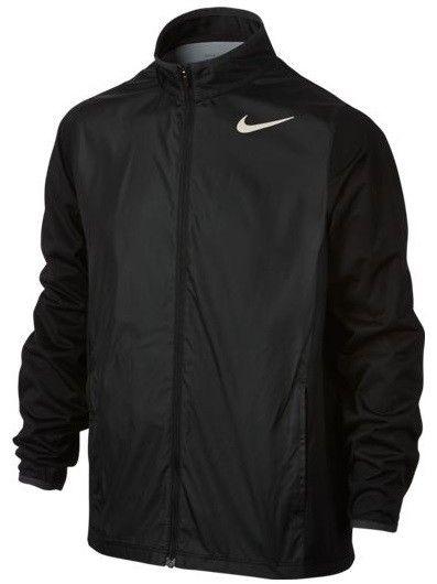 Chaqueta Nike Golf FULL-ZIP SHIELD para niños. Chaqueta Nike de color negro, muy ligera y transpirable, con cremallera completa y bolsillos delanteros.