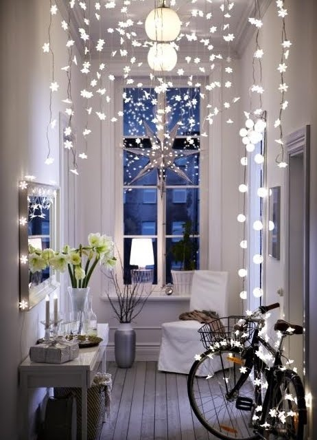 If you love fairy lights during the festive season, make sure you hang them damage free with commandstrips.co.uk.