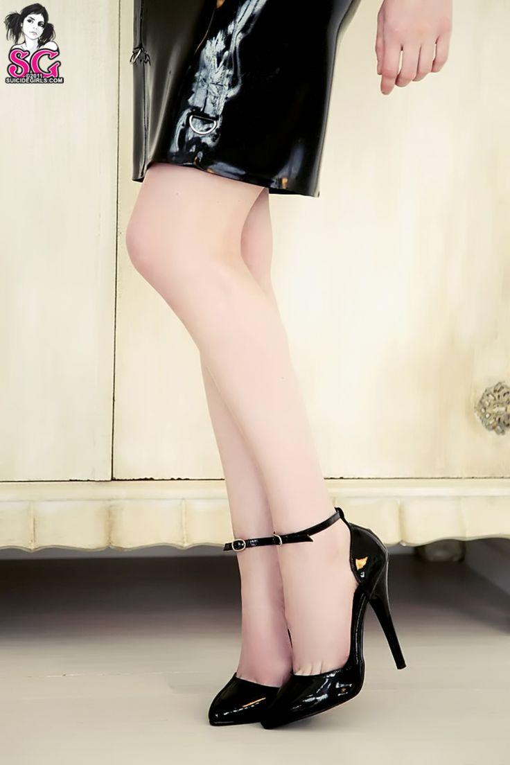 suicide-girls-high-heels
