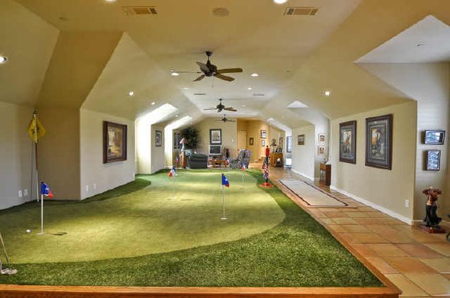 Man Cave Kristan Green : Indoor putting green back garden and golf