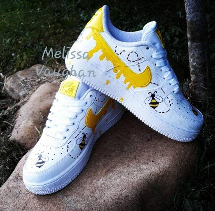 Abeille personnalisée Nike Air Force 1   Etsy   Nike air shoes ...