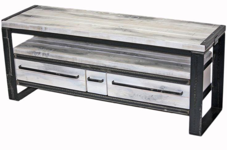 Meuble tv 3 tiroirs en pruche gris nuage table living for Meuble tv canada