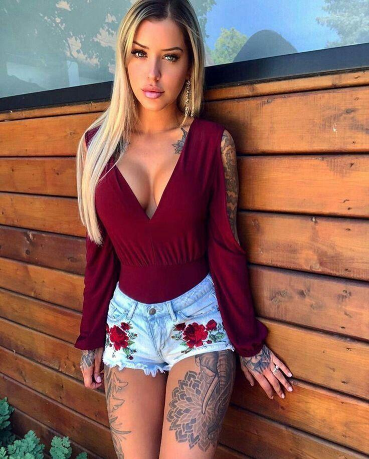 Tattoo | Tattoo's | Girl tattoos, Hot tattoo girls ...