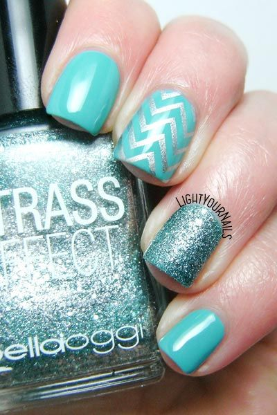 Tiffany blue and silver skittlette nail art feat. @tnscosmetics That's Amore and Bella Oggi Strass Effect 02