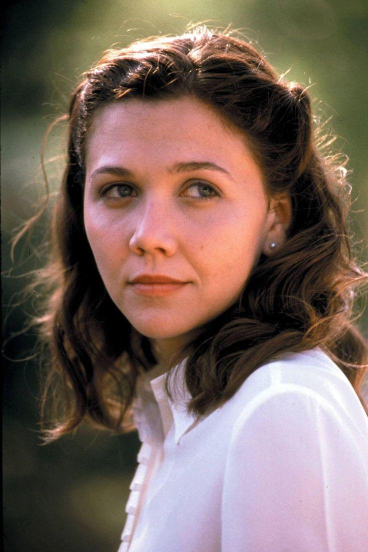 Maggie gyllenhaal in the deuce s01e01 10